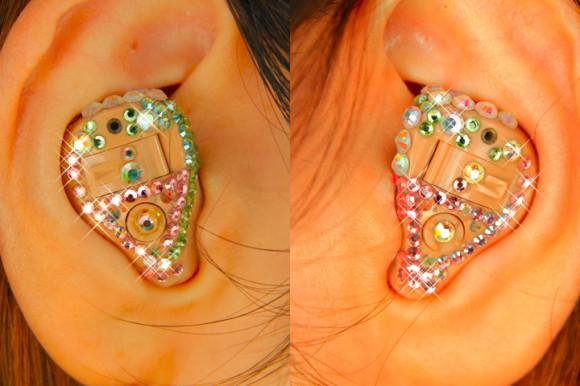 補聴器のデコレーション